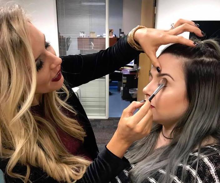 """Arizona Daily Mix: """"Cat Eye"""" Winged Tip Eyeliner"""